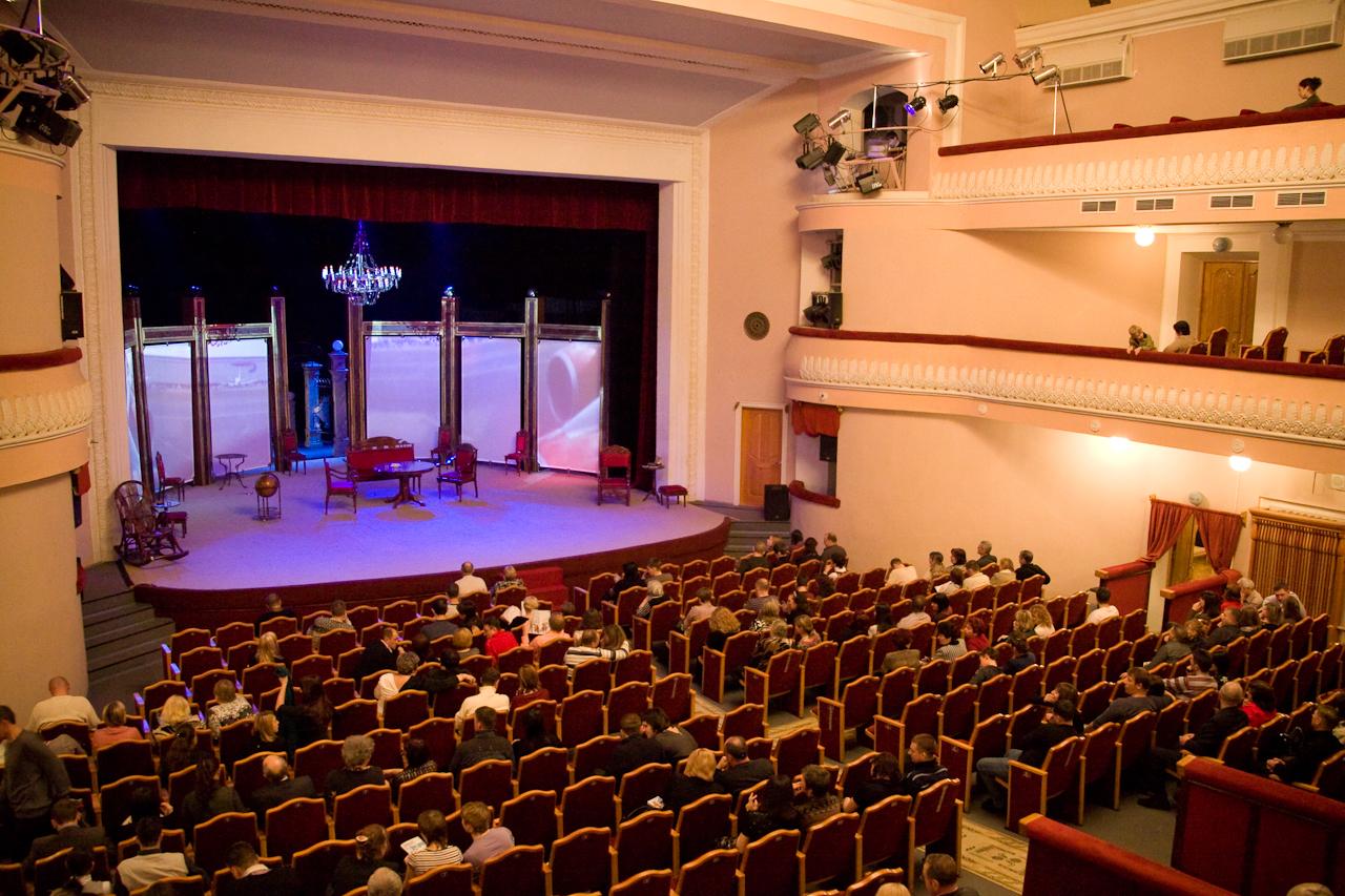 Пойти в театр, театральные постановки, спектакли, посмотреть спектакль, известные актеры, новая постановка, купить билет в театр, гастроли театра.